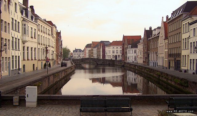 Bruges reflecting itselt in its numerous canals.