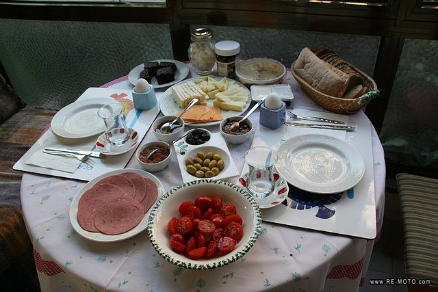 Breakfast at Ergün and Ferda's, friends who hosted us for a few days in Istanbul.