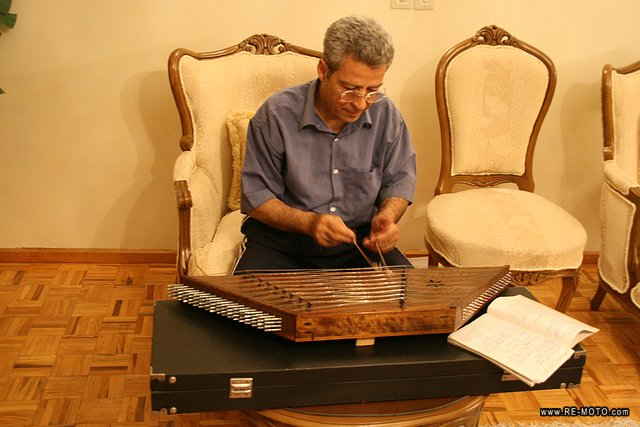 The santur in a typical Iranian instrument.